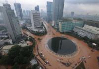 Giacarta ( Indonesia) : sei esplosioni e sparatoria in corso